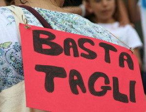 basta_tagli-300x230
